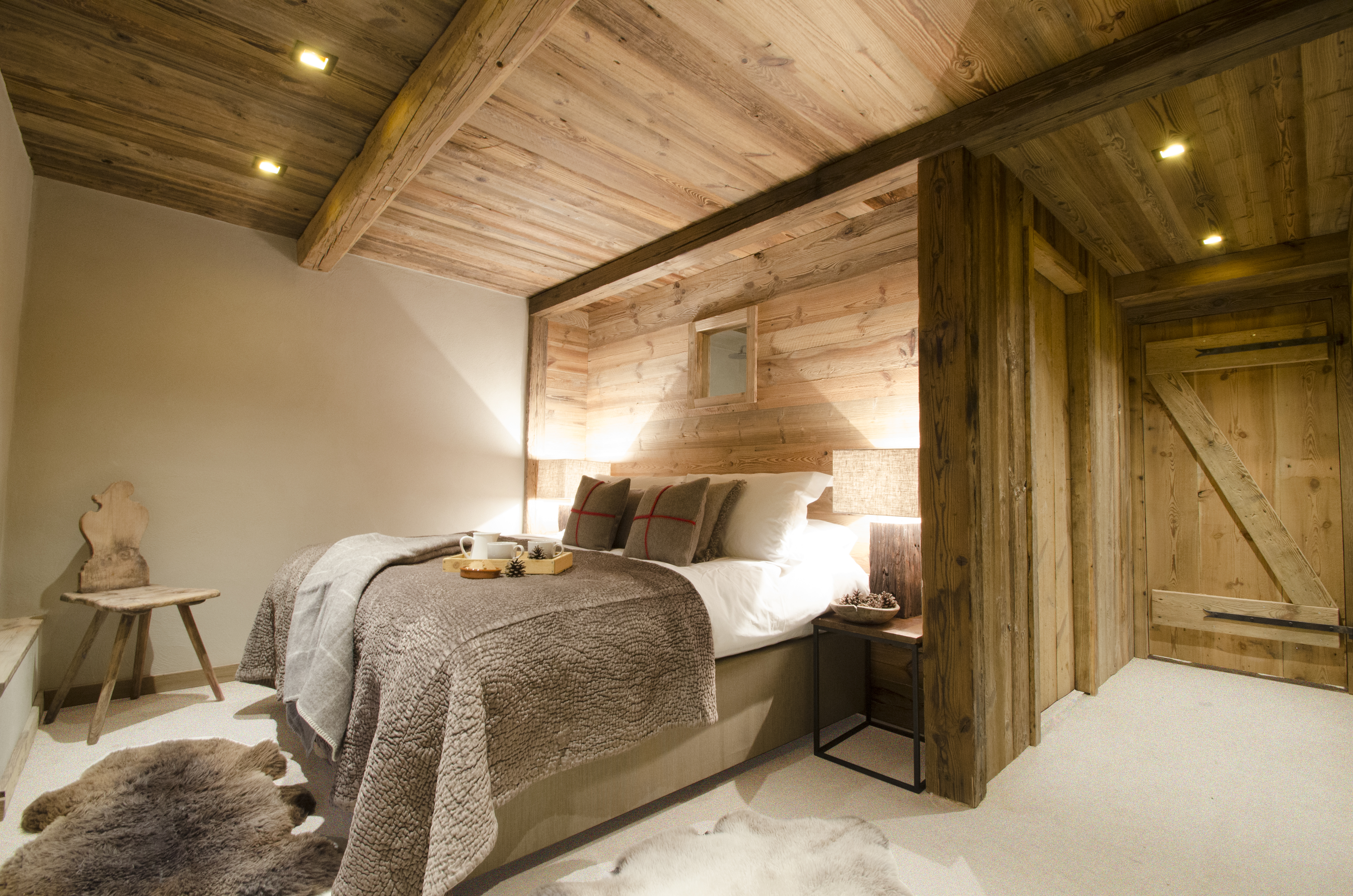 Ancient Timber On The Walls U0026 Ceiling Create A Cosy, Cabin Style Bedroom
