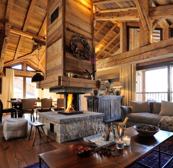 1-roof-topliving-room-with-ancient-beams