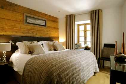Chalet Abode - Elegant bedrooms